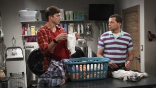 Two and a Half Men 11x03 : This Unblessed Biscuit- Seriesaddict